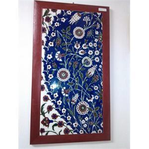 El Yapımı Mavi Zeminde Çiçek Desenli Çerçeve