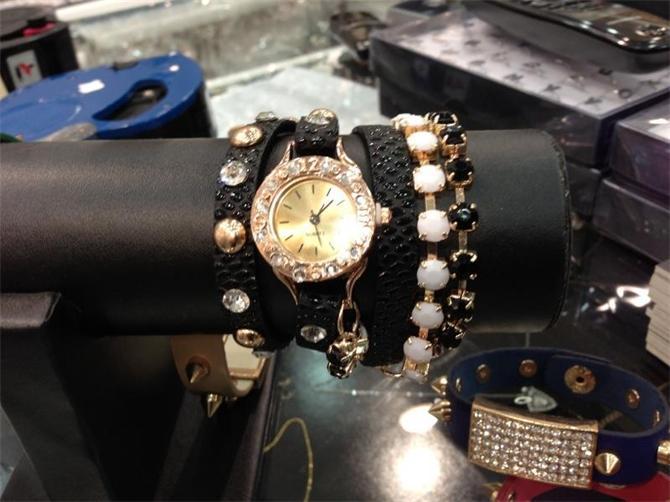 15946-Siyah Altın Kaplama Taşlı Kol Saati-Kasva Bijuteri Accessories